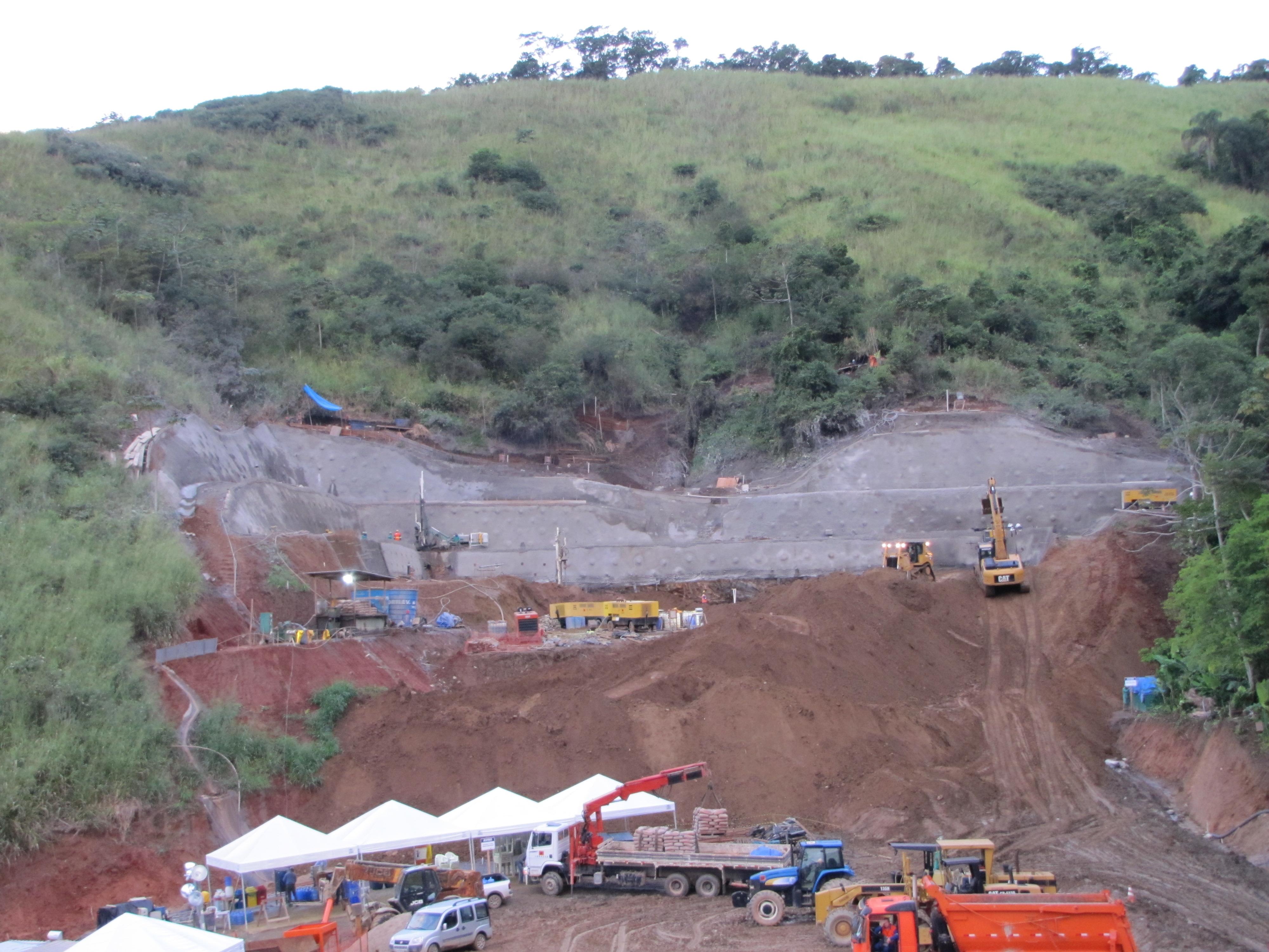 Emboque norte do túnel T302 - Nova tamoios do contorno de São Sebastião